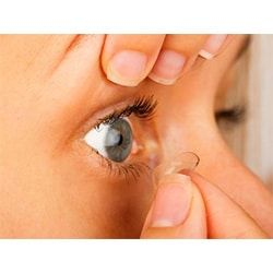 Removing The Contact Lens