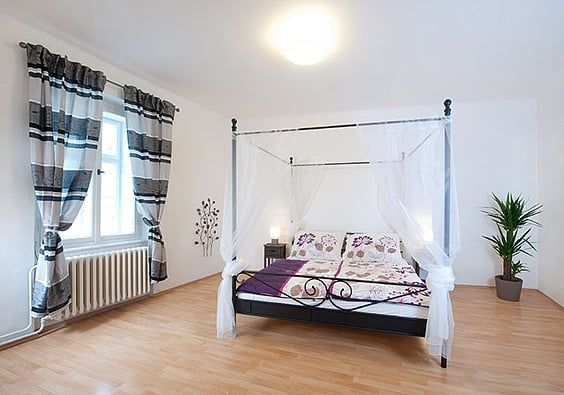 The Thin Metal Rods Create An Airy Atmosphere And Let You Soak In The  Surroundings Every Time You Wake Up. The Tall Canopy Will Look Magical On  Sunny Days ...