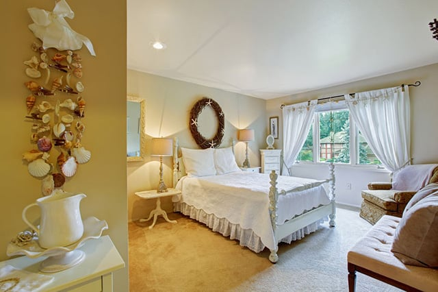 Make An All White Bedroom A Romantic Escape By Using Dried Flowers, Floral  Wreaths Or Other Accents Like Shells. Adding A Few Elements From Nature Can  Make ...
