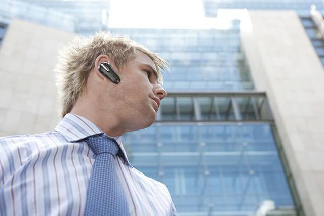 using a hands free device for phone