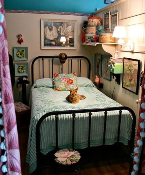 Rooms Decoration: 18 Retro Themed Bedroom Design Ideas