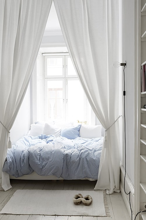 35 Spectacular Bedroom Curtain Ideas
