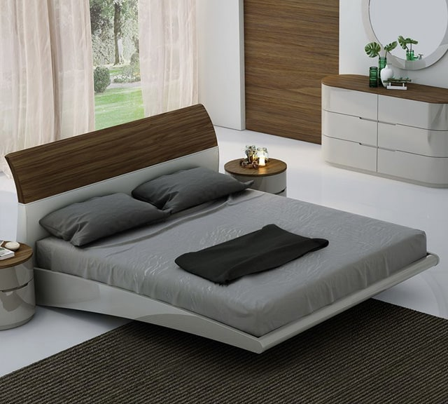 I Canu0027t Help But To Imagine A Man In A Suit Owning This Bedroom. Itu0027s All  Very Future Like With The Shape Of The Platform Bed And The Shiny Texture  Of The ...