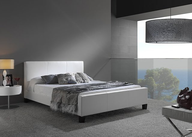 48 minimalist bedroom ideas for those who don 39 t like for Minimalist black and white bedroom
