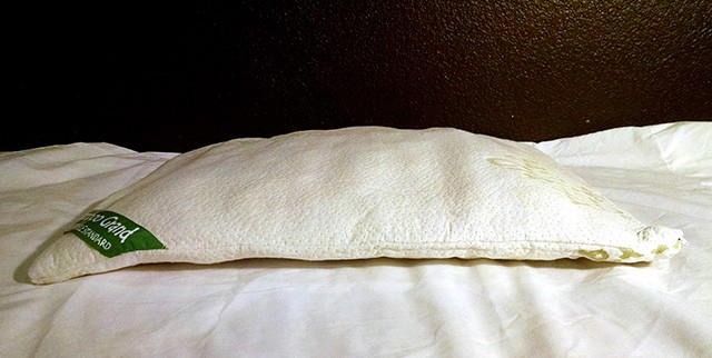 how to fluff a bamboo pillow the sleep judge. Black Bedroom Furniture Sets. Home Design Ideas