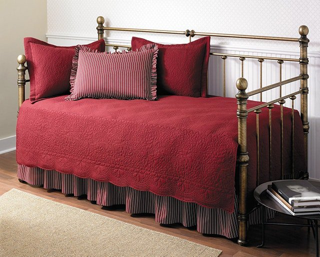 Do You Need Special Bedding For Daybeds