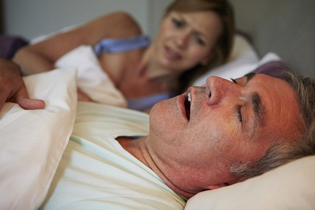 how to control snoring while sleeping naturally