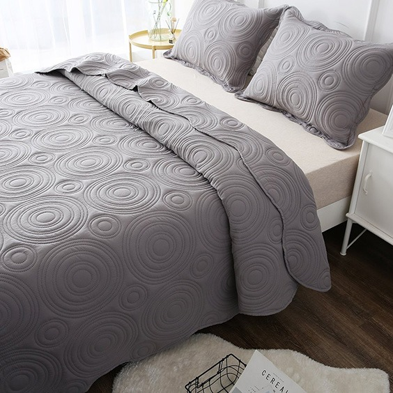 Protects The Bed Sheets And Or Mattress A Bedspread Can Protect