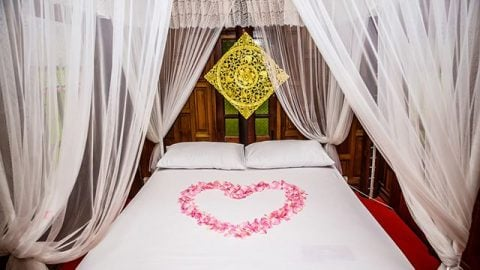 These are some of the best, cheap romantic bedroom ideas you can try.