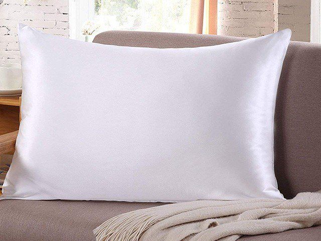 Best Pillowcases For Curly Hair Reviews 2018 The Sleep Judge