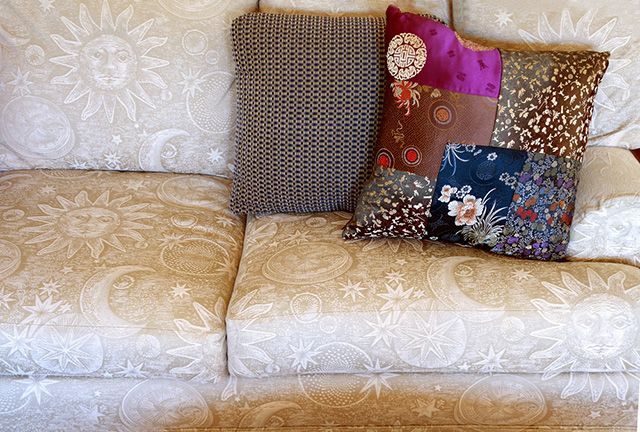 How To Wash A Throw Pillow The Sleep Judge