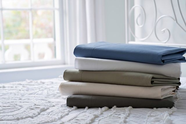 Percale sheets have long been popular for their comfort, and if you are unaware of this type of material, you need look no further.