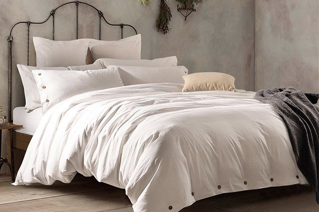 Duvet vs Quilt: How to Choose   The Sleep Judge
