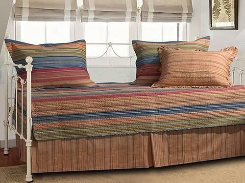 Best Daybed Bedding Sets Review 2021, Daybed With Trundle Bedding Sets